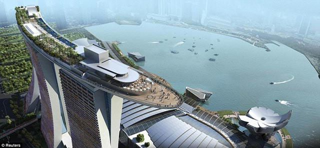 Infinity Pools عجیب ترین و مرتفع ترین استخر و هتل دنیا