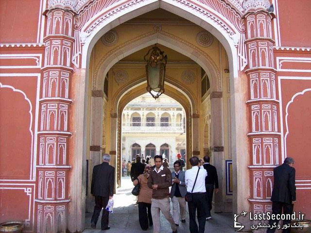 دروازه ورودی قصر